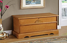 Levi Traditional Oak Chest