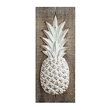 Embossed Metal Pineapple Wall Décor