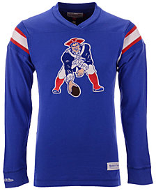 Mitchell & Ness Men's New England Patriots Team Captain V-Neck Long Sleeve T-Shirt