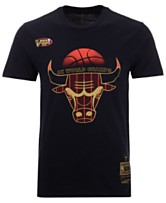 67f7a58ccf8bf3 Mitchell   Ness Men s Chicago Bulls Chicago 6 Ring Collection T-Shirt
