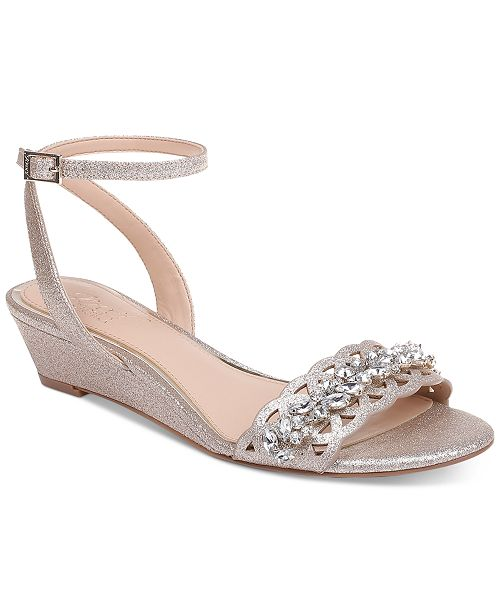 9ddbba7445f6 ... Jewel Badgley Mischka Jewel by Badgley Mischka Kindle Evening Wedges ...