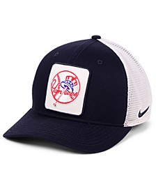 New York Yankees Trucker Swooshflex Stretch Fitted Cap