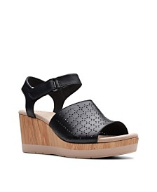 Clarks Collection Women's Cammy Glory Wedge Sandals
