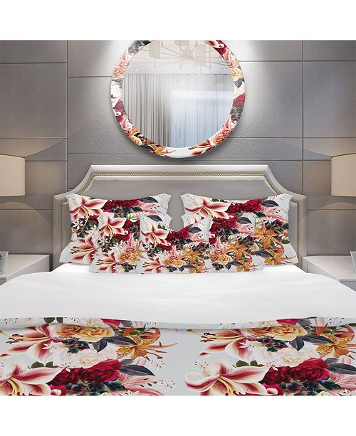 Design Art Designart 'Floral Pattern With Roses And Lily' Modern and Contemporary Duvet Cover Set - Queen
