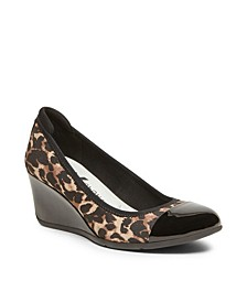 Sport Taite Wedge Pumps