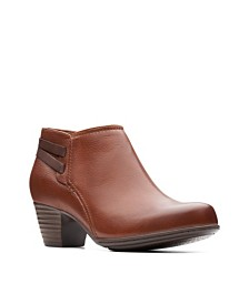 Clarks Collection Women's Valarie 2 Ashly Booties