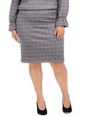 Plus Size Pull-On Plaid Skirt