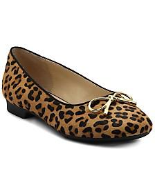 Adrienne Vittadini Women's Cavallo Flats