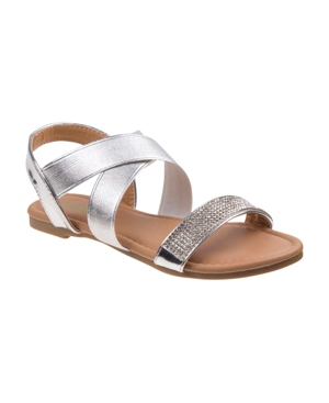 This petalia girls sunny sandals is equipped for all-day wear. This sandal is open toe and strappy. Buckle details. This feature a faux leather upper with buckle closure, that goes along with a skirt, dress or short pants.
