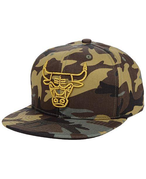 Mitchell & Ness Chicago Bulls Camo Neon Snapback Cap
