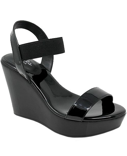 CHARLES by Charles David Friday Wedge Sandals