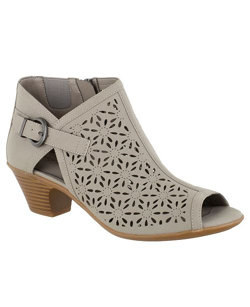 Easy Street Dakota Women's Sandals