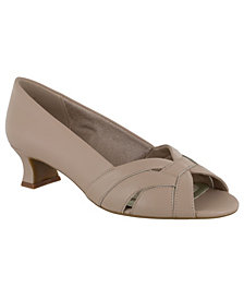 Easy Street Brandy Women's Pumps