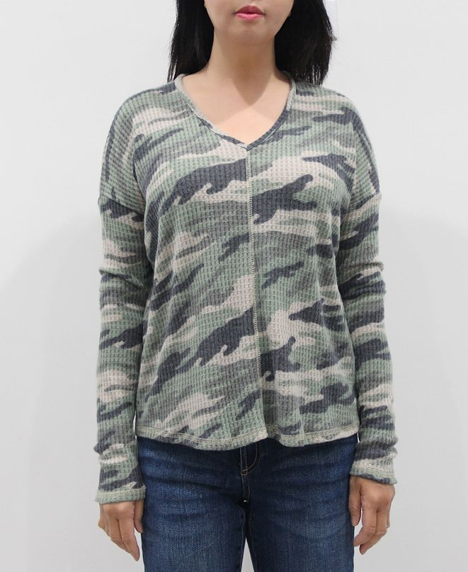 COIN 1804 Women's Camo V-Neck Long Sleeve Dolman Top
