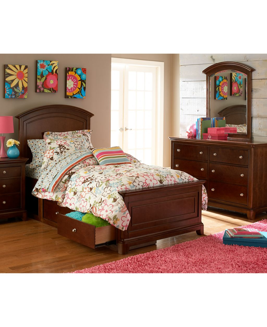 Irvine kids bedroom furniture desk chair latest top rated for Best rated bedroom furniture