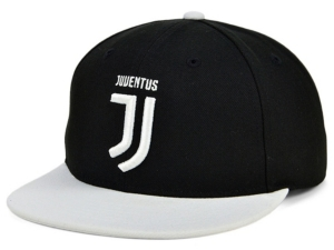 Juventus Team Logo Snapback Cap