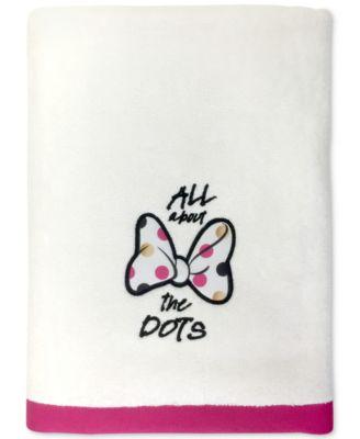 """Minnie XOXO 27"""" x 50"""" Bath Towel"""
