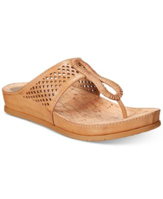 Image of Bare Traps Chinda Sandals