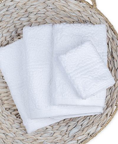 Caro Home Noel Bath Towel Collection