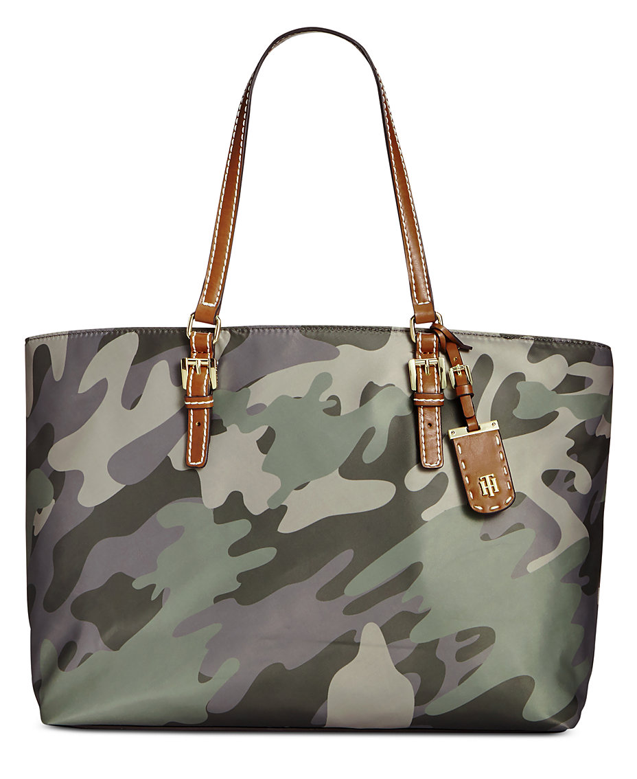 09493ff24fa0 Tommy Hilfiger Julia Camo Tote   Reviews - Handbags   Accessories - Macy s