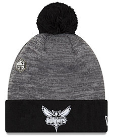 New Era Charlotte Hornets Pin Pom Knit Hat
