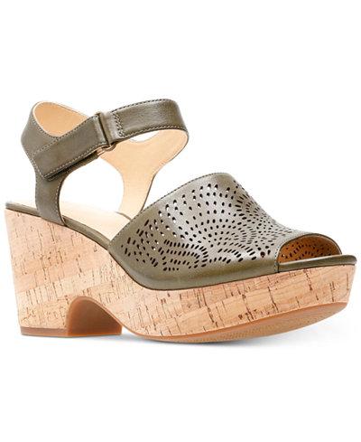 Clarks Artisan Women's Maritsa Nila Wedge Sandals