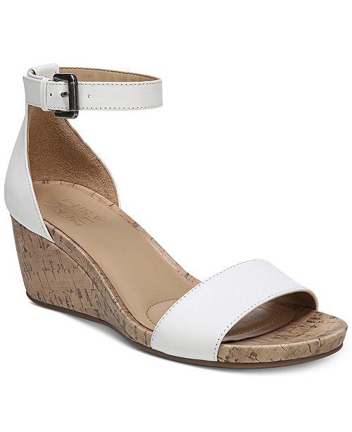 Naturalizer Cami Ankle Strap Sandal (Women's) rTHGNYCV5I