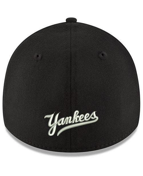 1c3a3803db2 New Era New York Yankees Dub Classic 39THIRTY Cap - Sports Fan Shop ...