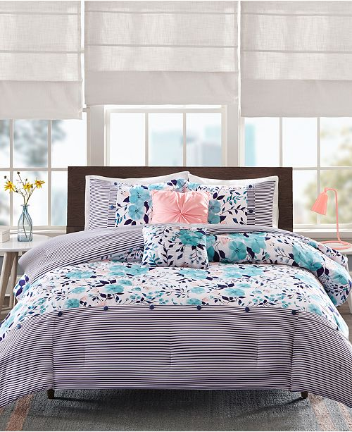 Intelligent Design Delle 4-Pc. Twin/Twin XL Reversible Comforter Set