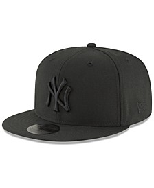 New York Yankees Blackout 59FIFTY Fitted Cap