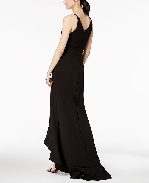 Ruffled Plunging Gown Betsy amp; Black Adam qvYUUa