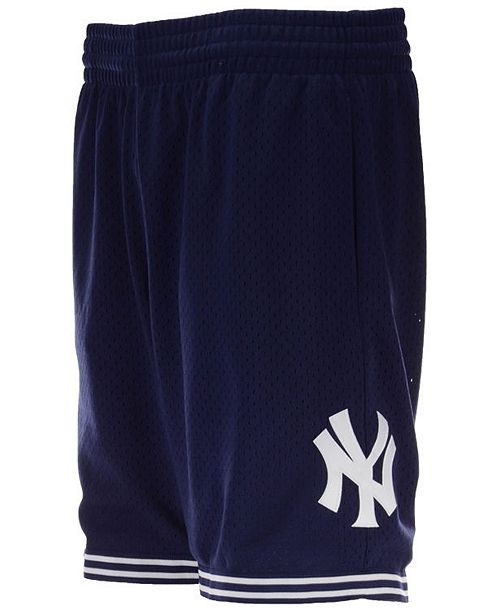 huge selection of 4ea14 547a0 Mitchell & Ness Men's New York Yankees Swing Shorts ...