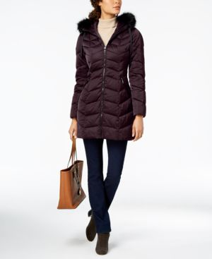 T TAHARI Gwen Faux Fur Trim Quilted Puffer Coat in Merlot