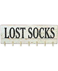 ''Lost Socks'' Wall Décor with Clothespins