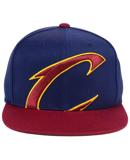 the latest 530ac 96e03 ... Snapback Cap  Mitchell   Ness Cleveland Cavaliers Cropped XL Logo  Snapback ...