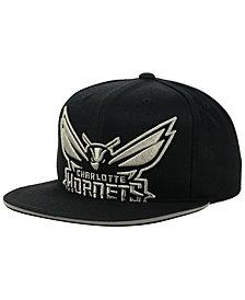Mitchell & Ness Charlotte Hornets Cropped Metallic Snapback Cap