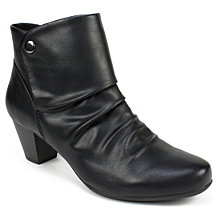 Cliffs By White Mountain Landon Ankle Booties