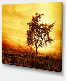 "Designart African Tree Silhouette Landscape Photo Canvas Art Print - 20"" X 12"""