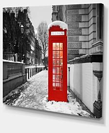"Designart Red London Telephone Booth Cityscape Canvas Print - 40"" X 30"""