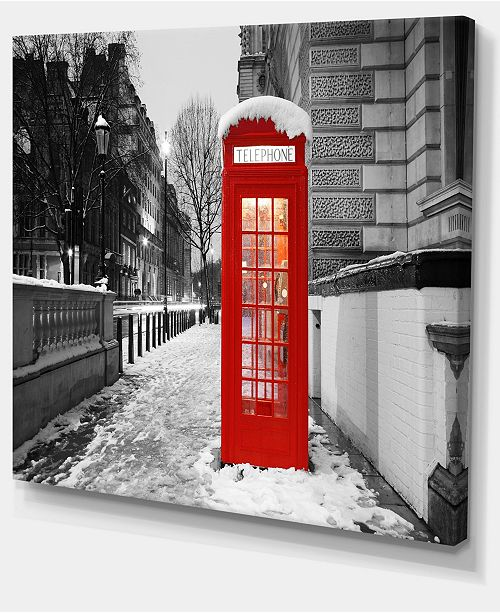 "Design Art Designart Red London Telephone Booth Cityscape Canvas Print - 40"" X 30"""