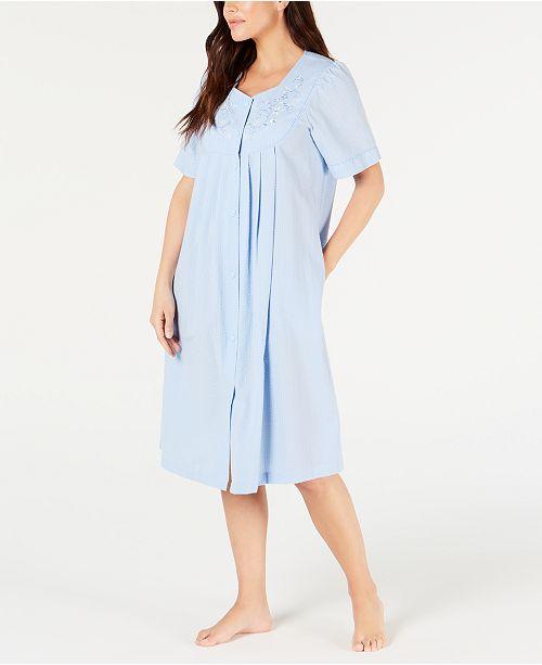Miss Elaine Flower-Embroidery Seersucker Short Gripper Robe
