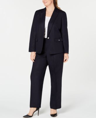 Plus Size Single-Button Blazer