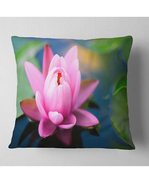 "Design Art Designart 'Large Lotus Flower In The Pond' Floral Throw Pillow - 16"" x 16"""
