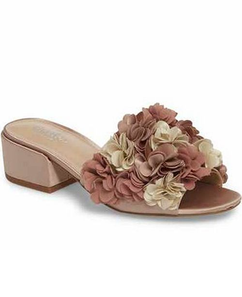 CHARLES by Charles David Victorious Flat Sandals