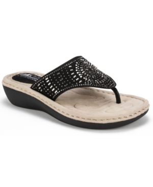 Cliffs By White Mountain Cienna Comfort Thong Sandals Women's Shoes In Black