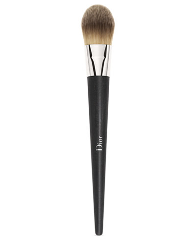 Dior Backstage Fluid Foundation Brush - Light Coverage
