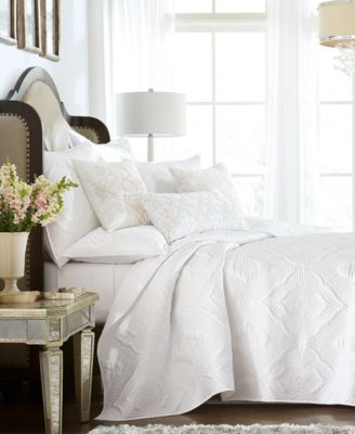 Classic Medallion Full/Queen Coverlet, Created for Macy's