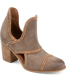 Journee Signature Women's  Courtny Booties