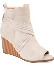 Journee Collection Women's Sabeena Bootie