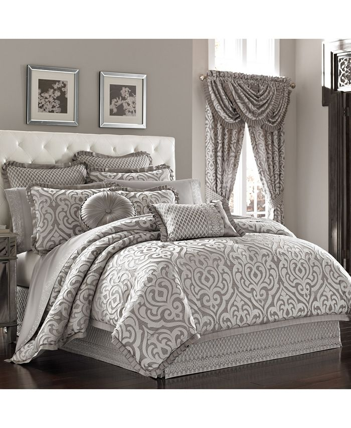 J Queen New York - Luxembourg   Silver Silver King 4pc. Comforter Set